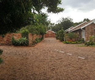 R 950,000 - 2 Bed Property For Sale in Lynnwood Ridge