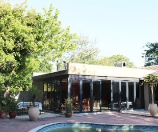 R 4,350,000 - 4 Bed House For Sale in Tara
