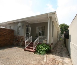 R 875,000 - 2 Bed Property For Sale in Bezuidenhout Valley