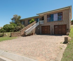 R 1,260,000 - 3 Bed Property For Sale in Dana Bay