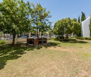 R 2,495,000 - 2 Bed Flat For Sale in Stellenbosch Central