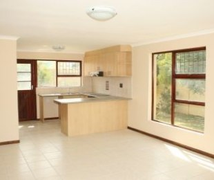 R 1,050,000 - 2 Bed House For Sale in Gordon's Bay