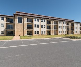 R 7,700 - 2 Bed Apartment To Rent in Brackenfell