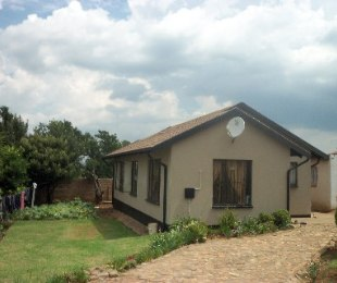 R 650,000 - 3 Bed House For Sale in Naturena