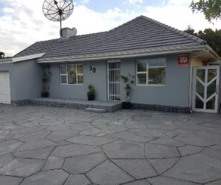 R 3,399,000 - 3 Bed House For Sale in Rondebosch East