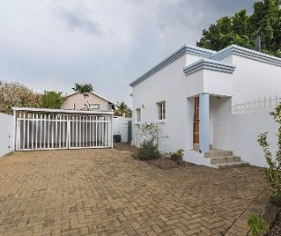 R 860,000 - 2 Bed House For Sale in East Town