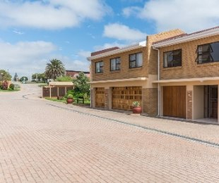 R 1,850,000 - 3 Bed House For Sale in Mossel Bay