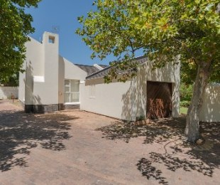 R 3,900,000 - 2 Bed Property For Sale in Paradyskloof