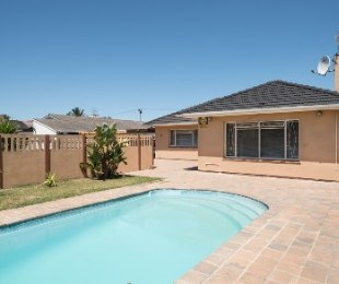 R 1,620,000 - 3 Bed House For Sale in Labiance