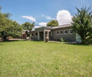 R 2,100,000 - 3 Bed Property For Sale in Heather Park