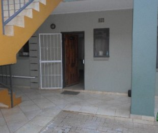 R 3,500 - 2 Bed Flat To Rent in Jabulani