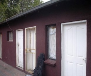 R 1,500,000 - 28 Bed House For Sale in Malvern