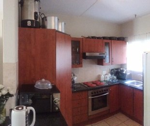 R 1,500,000 - 2 Bed Flat For Sale in Eagle Canyon Golf Estate