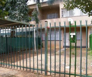 R 330,000 - 1 Bed Flat For Sale in Bedelia
