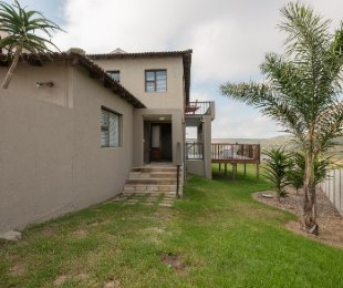 R 2,230,000 - 6 Bed Home For Sale in Seemeeu Park