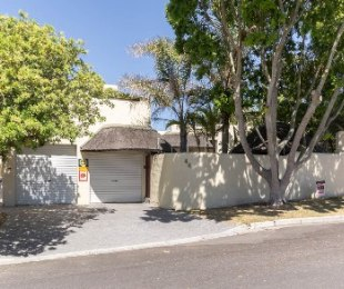 R 2,850,000 - 4 Bed House For Sale in Eversdal