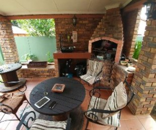 R 1,050,000 - 3 Bed Property For Sale in Florauna