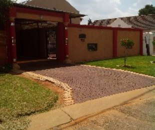 R 850,000 - 3 Bed Home For Sale in Ennerdale