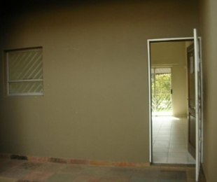 R 4,000 - 1 Bed Property To Rent in Buccleuch