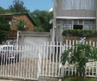 R 890,000 - 2 Bed Property For Sale in Florida Hills