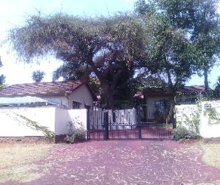R 1,380,000 - 3 Bed Property For Sale in Dorandia