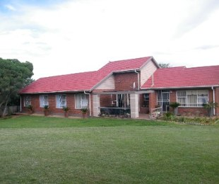 R 1,100,000 - 4 Bed Home For Sale in Riebeeckstad