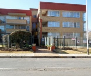 R 480,000 - 2 Bed Flat For Sale in Florida