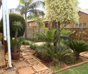 R 985,000 - 3 Bed House For Sale in Ninapark