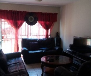 R 450,000 - 2 Bed Flat For Sale in Akasia