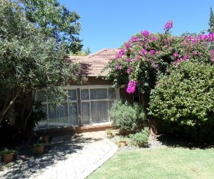 R 1,100,000 - 3 Bed Property For Sale in St Helena