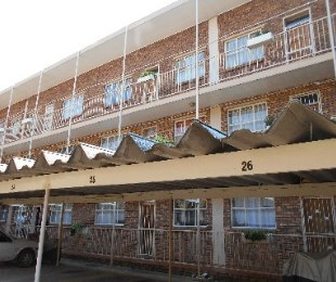R 495,000 - 2 Bed Home For Sale in Pretoria North