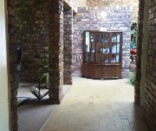 R 1,970,000 - 3 Bed Property For Sale in Florauna