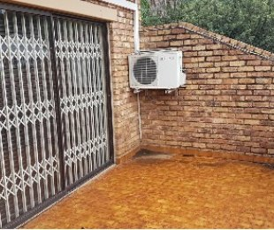 R 900,000 - 2 Bed Apartment For Sale in Roodepoort