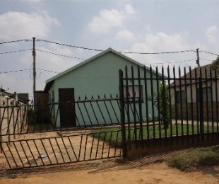 R 200,000 - 2 Bed Property For Sale in Kwaguqa