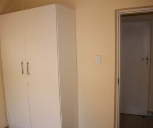 R 2,950 - 1 Bed Flat To Rent in Roodepoort Central