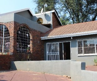 R 1,580,000 - 3 Bed Property For Sale in Zwartkop