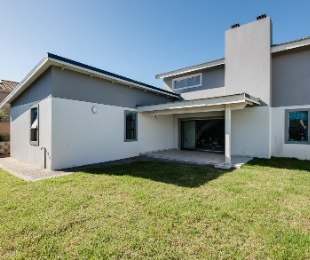 R 2,395,000 - 3 Bed Property For Sale in Hartenbos