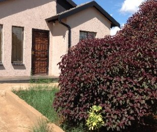 R 4,500 - 2 Bed Property To Rent in Lotus Gardens