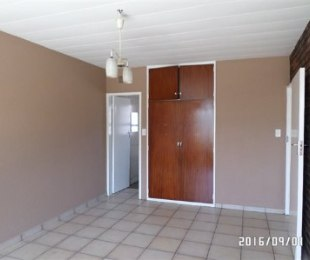 R 3,500 - 2 Bed Flat To Rent in Germiston
