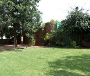 R 990,000 - 3 Bed House For Sale in Riebeeckstad