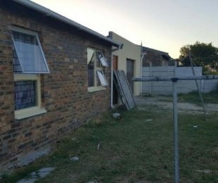 R 599,000 - 2 Bed Property For Sale in Forest Heights