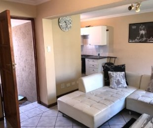 R 6,500 - 1 Bed Flat To Rent in Bryanston