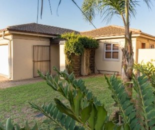 R 2,150,000 - 3 Bed House For Sale in Kleinbron