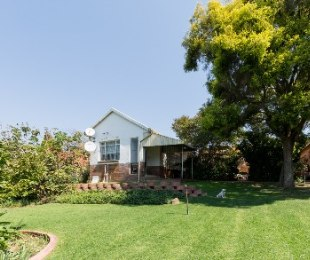 R 2,950,000 - 4 Bed House For Sale in Victory Park
