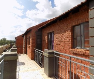 R 6,600 - 2 Bed Flat To Rent in Equestria