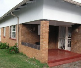 R 1,250,000 - 3 Bed Home For Sale in Northmead