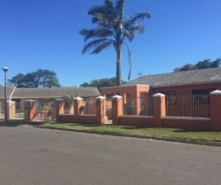 R 1,750,000 - 3 Bed House For Sale in Bothasig
