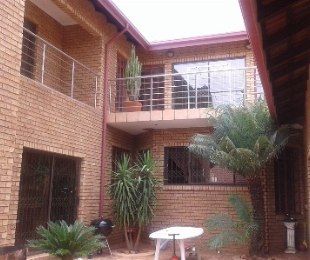 R 2,595,000 - 5 Bed Home For Sale in Ninapark