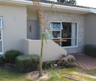 R 2,985,000 - 4 Bed Property For Sale in Eversdal