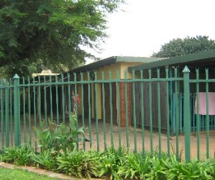 R 1,450,000 - 4 Bed Home For Sale in Dorandia